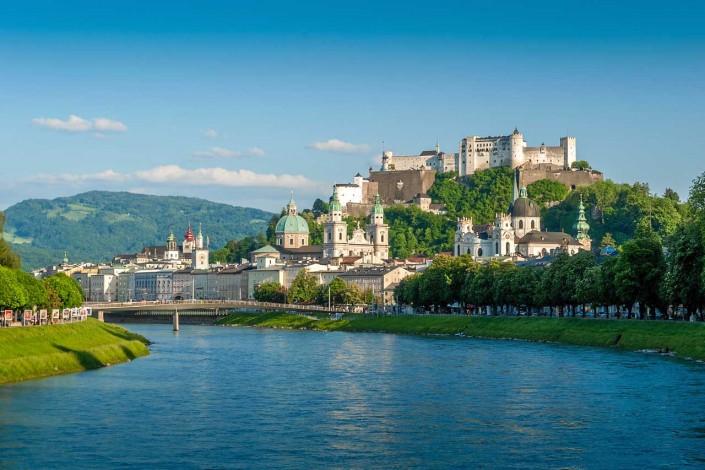 Mozart Stadt Salzburg mit Salzach