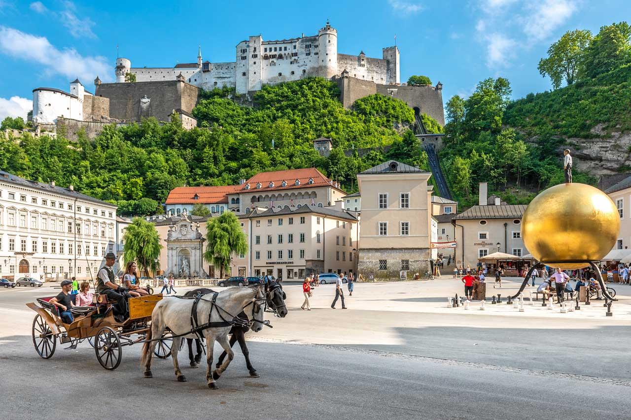 Stadt Salzburg Blick auf die Festung Hohen Salzburg